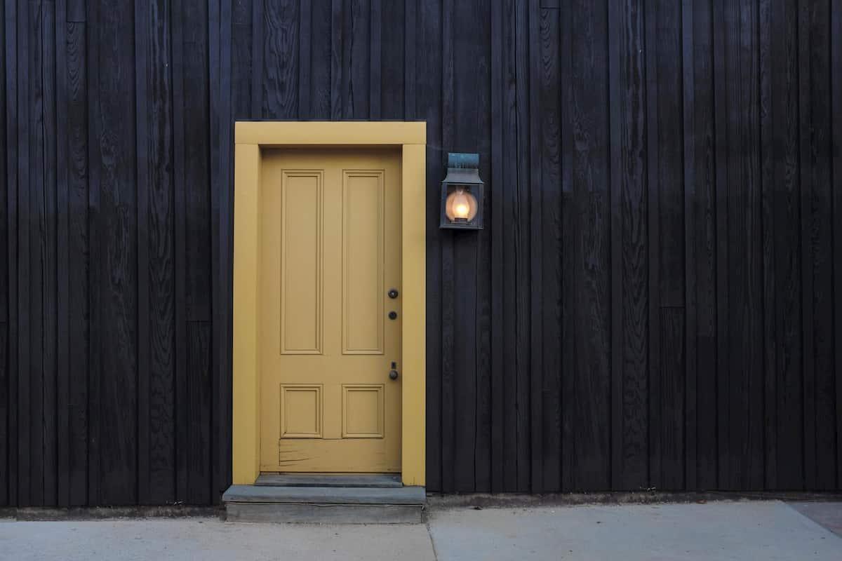 build an insulated exterior door