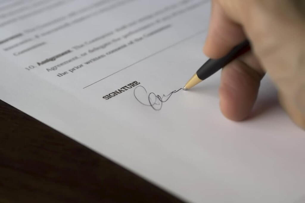 There are a few things you need to keep in mind before writing up the lease contract