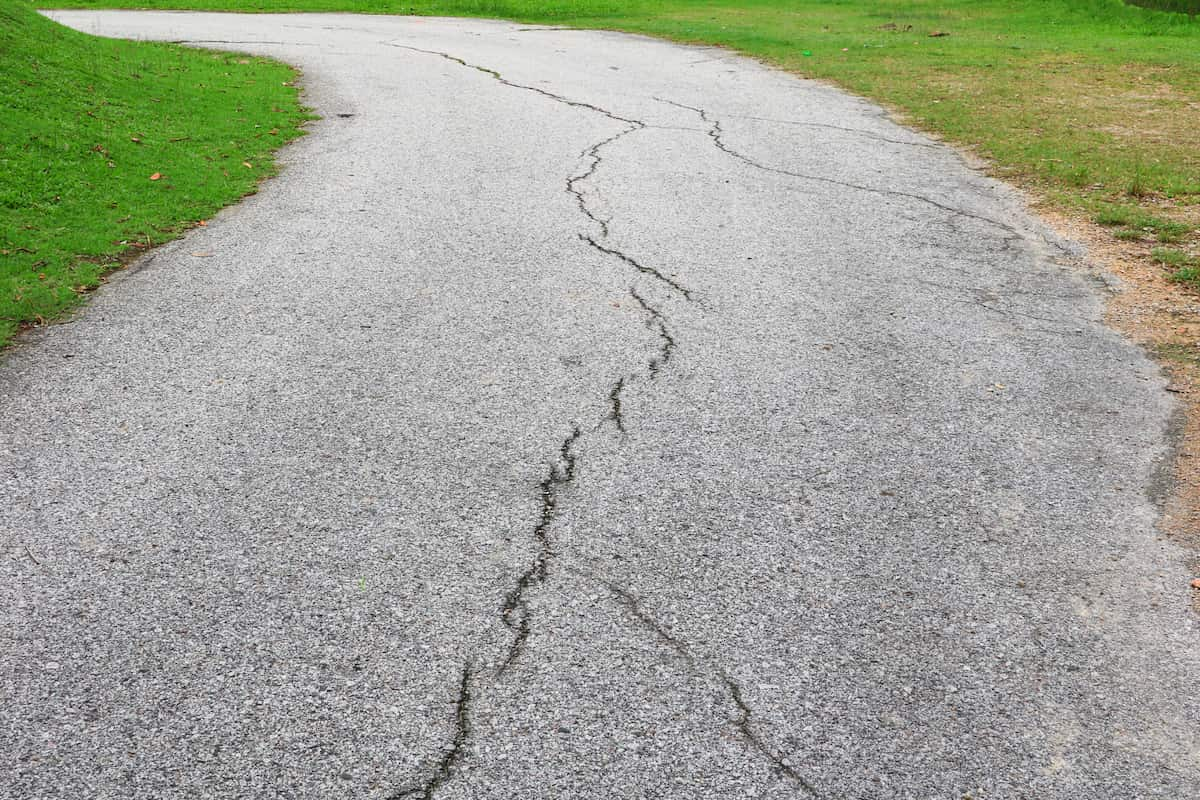 how to fix crumbling asphalt driveway