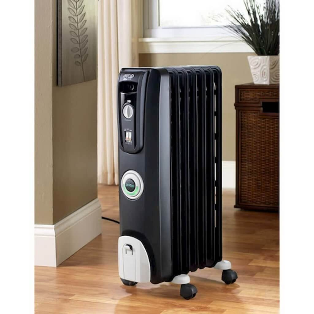 Energy efficient space heater for large room with infrared heat