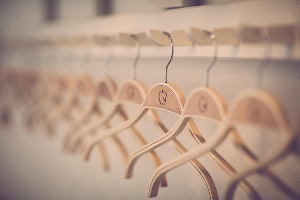 What are space saver hangers for closets