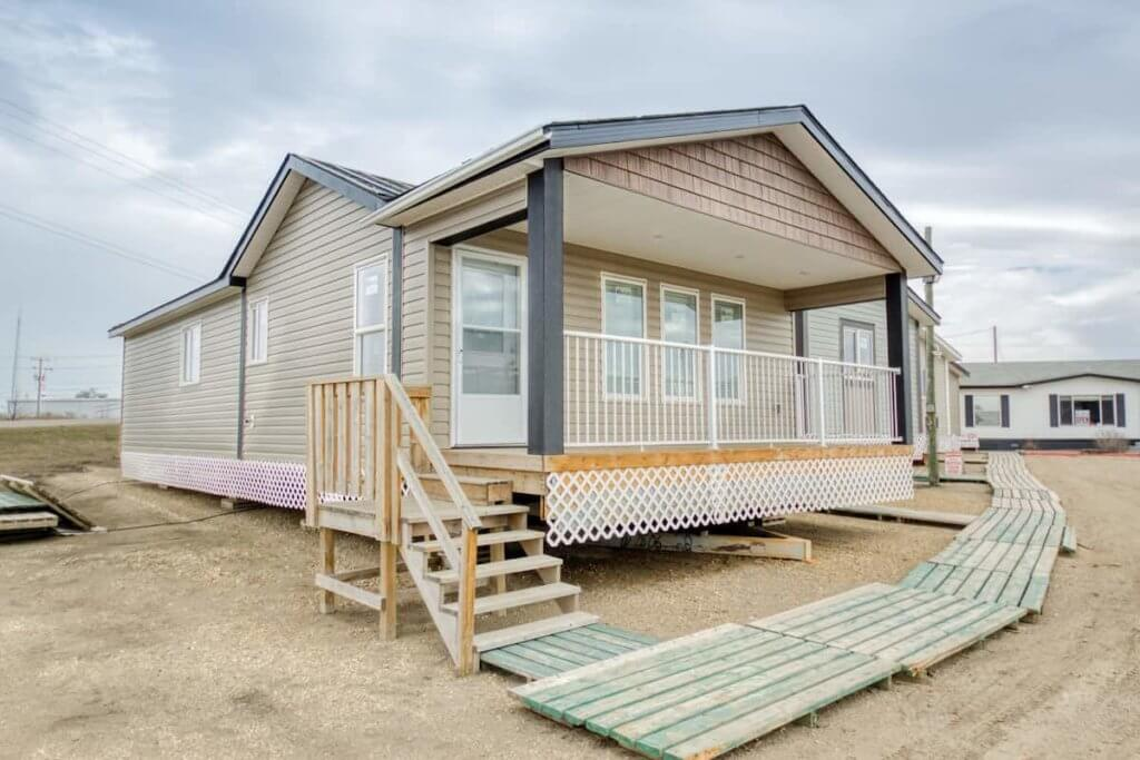 Buying used mobile homes for sale to be moved near me