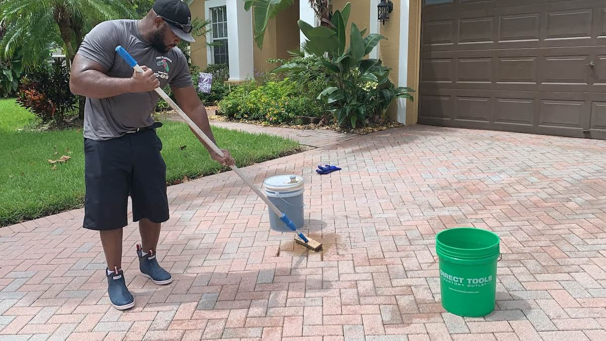 How to remove oil stains from concrete driveways